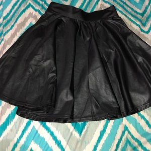 NWOT Agaci Black Flowy Skirt